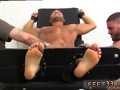Gay fetiche de los pies esclavo hipnosis y gays oliendo chicos pies M