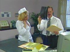 Nurse de Sadie