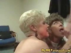 Min MILF Exposed amatör cougar fruar visar galen och vilda