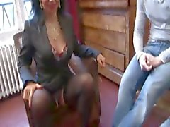 Franse Dame met behaarde kut anaal geneukt