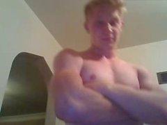 Атлетическое телосложение Str8 Мальчик показывает его ужасно жарко Virgin Ass на вебкамеру