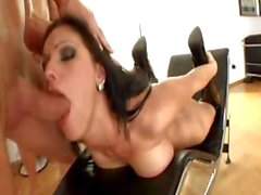 Brunette Raven in a blowbang with lots of cocks going in her mouth