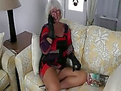 Granny Handjob #2 (Pizza Boy getting the proper Payment)