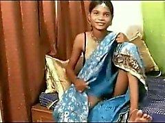 Puhjai - Vackra 19-åriga indiska Teen