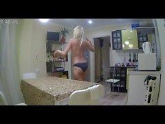 voyeur villa blondie dance naked in the kitchen pt 2