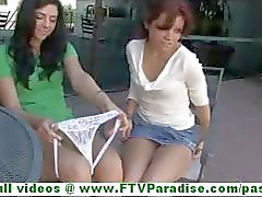 Rita en Madeline verbazingwekkend lesbiennes zoenen en Vingeren en knipperende tieten