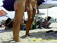 Nackt Day at the Beach