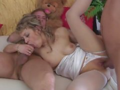 Juicy Pussy Mommy BangBed
