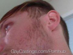 GayCastings - Clean Cut Zee Knox essaye de sortir pour Porn