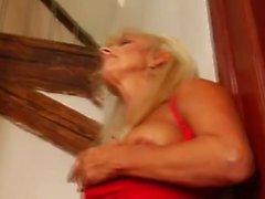 Горячих Сапоги зрелая блондинку Кугуар Banging In