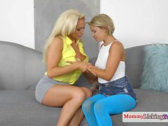 Cougar stepmom rimmed by stockinged teen