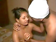 Yaşlı ADAM - ben ile Sevimli Kuzey Hindistan Aunty'nın göster SEX BANTLAR