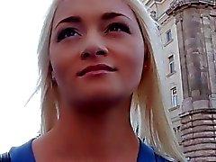 Une infirmière Russie se fait draguer puis enculer
