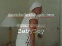 BabyBoy бьет свою плоть