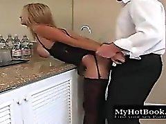 Pefect Women HD Kissing,