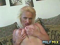 Зрелая блондинку Матерь