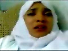 mujer joven de turbante es el coger