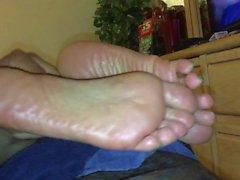 Maura Soles feet