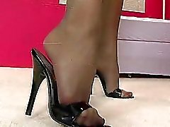 Bedövning babe med fina ben poserar