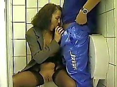 Baño público Mamada y al que hace pis En Adulto la esposa