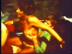 Vintage fuck and suck action in a car
