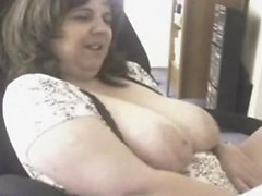 Fat mature has cam sex