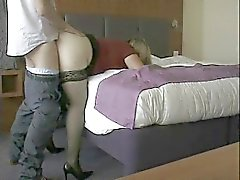 Esposa maduros jodida por la amante secreta y la creampied