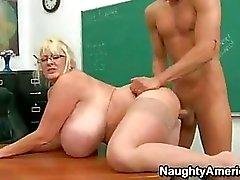 O cums kadar cinsel Heyecanlı Öğretmen Kayla Kleevage Onun etli Snatch On Delinen Başlarken