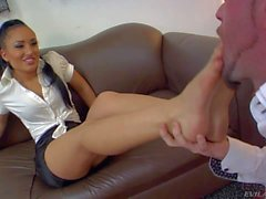 Hot ass Gabriela Paltrova gets her feet licked good