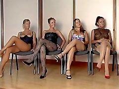 Espagnols d'inspecteur corps féminin