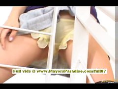 Мийу Хошино Китайская девушка в школьной форме трет себе мокрая киска