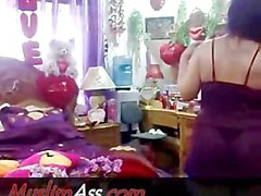 Perfect Arabian Muslim Woman nude showing Fooj on Islamic Webcam