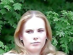 Valtavan rinnankytkyeitä lutka ota Isoisä metsässä