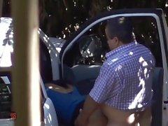 Latina Hooker banged within the vehicle