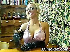 Jugoso del polluelo fumar silvestre XXX