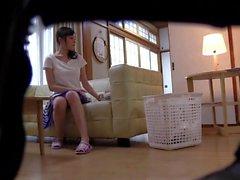 Süße Asiatinnen werden von Perversen gefingert und hart gefickt