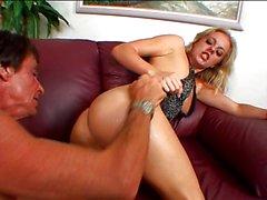 Angela Stone salvajes y mojada
