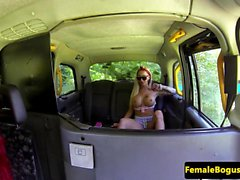 Redhead les taxi driver pussy eaten