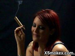 Suave polluelo Fumando silvestres XXX