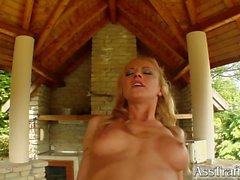 Gilda gets double penetration swallowing two cum loads