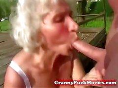 грязно бабушкой сосать