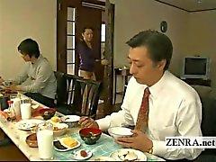 Tekstitetty outo Japanin pohjattomaan ei pikkuhousut talo