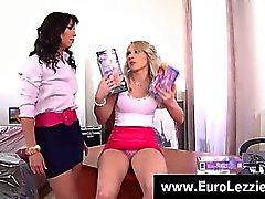 Ass european se léchant filles lesbiennes