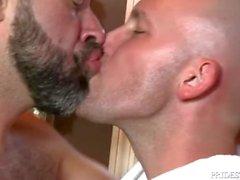 MenOver30 Hairy Papa Freut seinen Freund