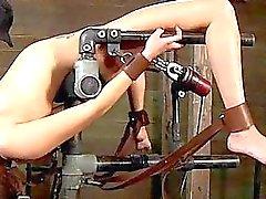Tittenfick Folterungen Naughty chick