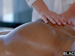 BLACKED Samantha Saint Cant Resist BBC et anulingus