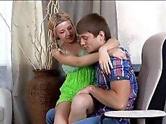 FG adolescente infieles engañados por su hombre y follada por un amigo