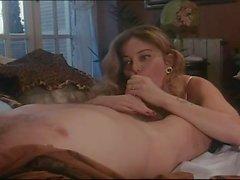 Moana Pozzi haciendo el sexo anal en intimità anal (1990)