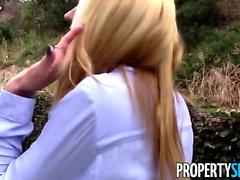 Agent Blonde de PropertySex fait la vidéo de sexe avec le client