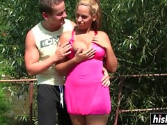 Busty hottie gets her cunt pounded outdoors